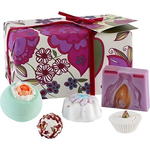 Bomb Cosmetics Vintage Velvet Bath Bomb Gift Set
