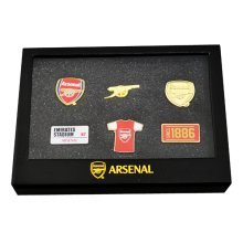 Arsenal F.c. 6 Piece Badge Set Official Merchandise - Football Team Souvenir -  official 6 piece badge set football team souvenir new xmas gift