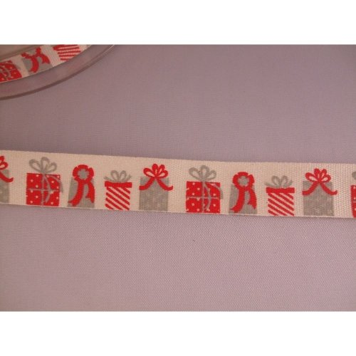 2m of Christmas Presents Vintage Style Cotton 15mm Ribbon by Bowtique
